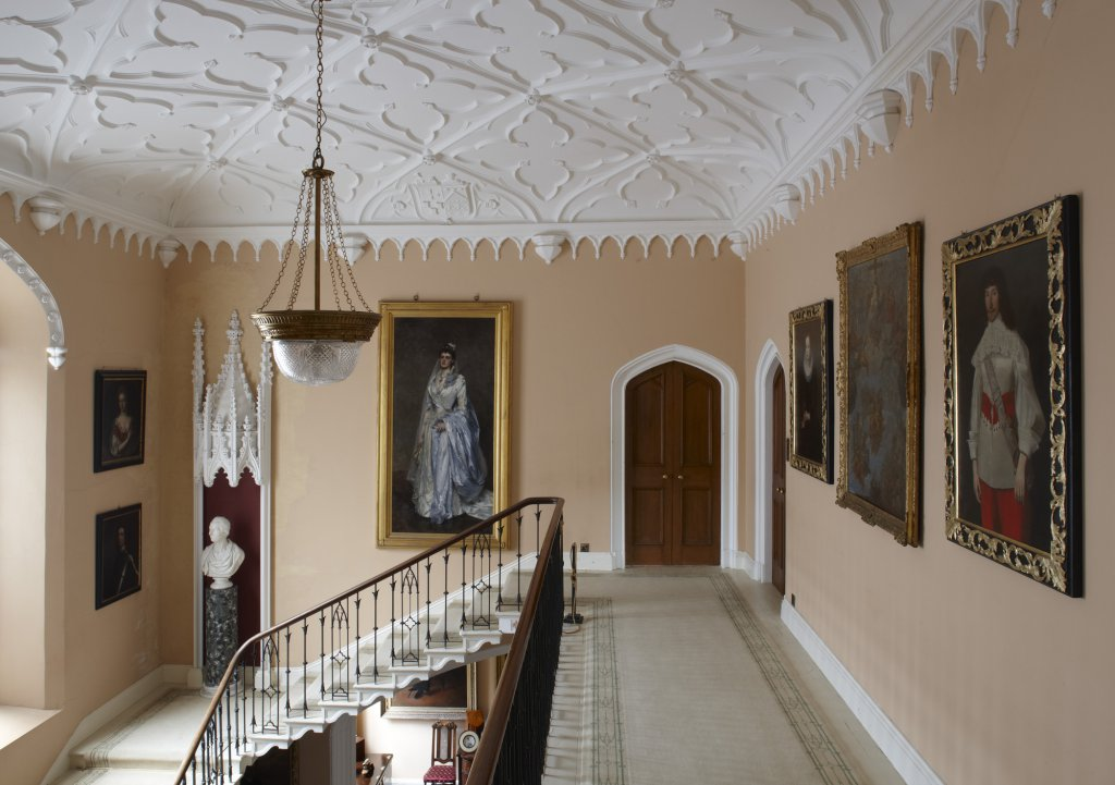 THE STATELY HOME